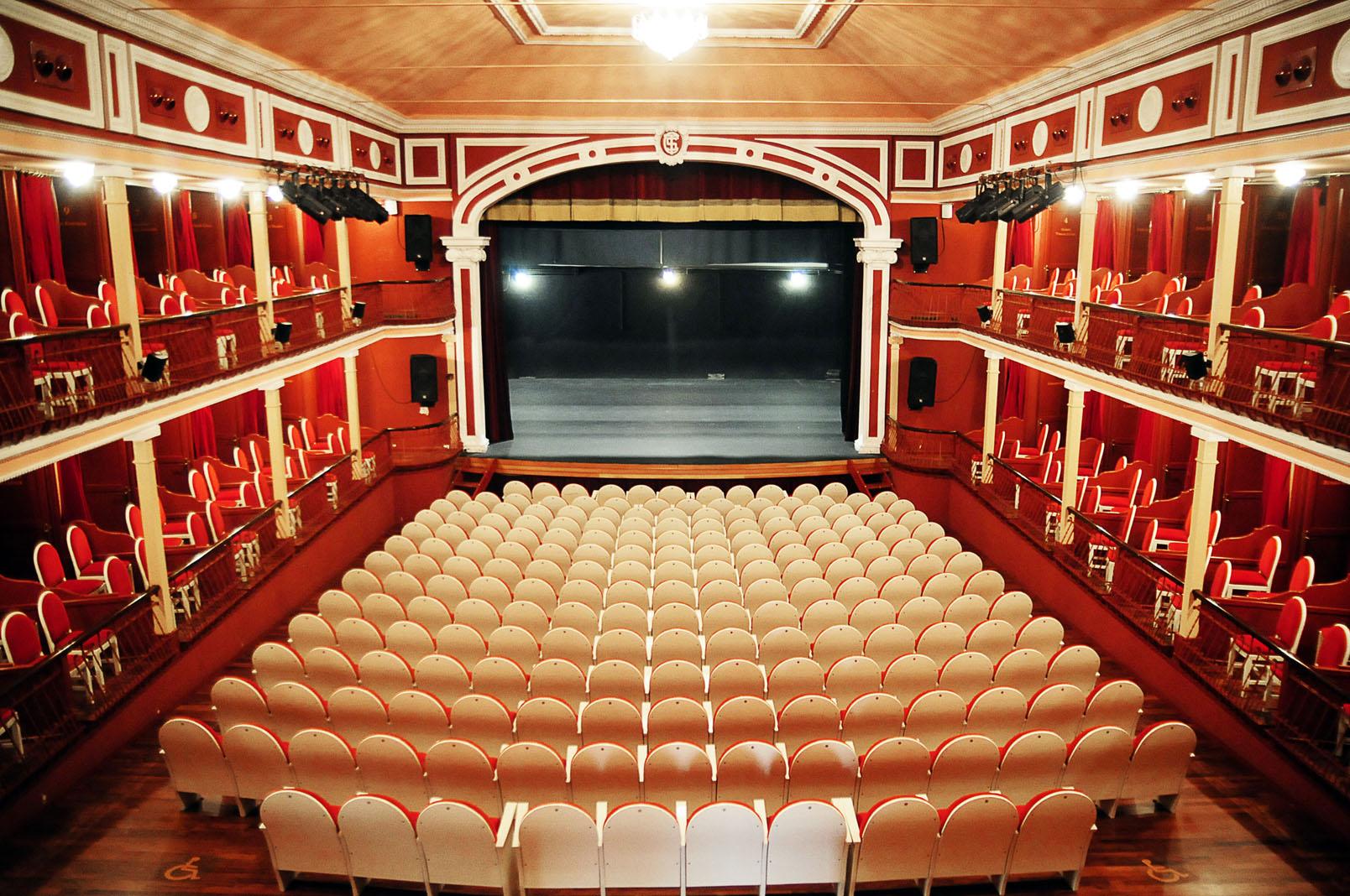Jornada de puertas abiertas en el teatro sal n cervantes culturalcal - Spa alcala de henares ...