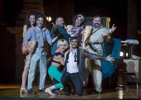 <div class=&quot;title_prox&quot;><a href=http://culturalcala.es/ficha/la-comedia-de-las-mentiras//////>LA COMEDIA DE LAS MENTIRAS</a></div>