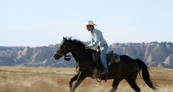 """""""The rider"""", Miércoles 21 y jueves 22 de noviembre, 18:30 y 21:00 h. Teatro Salón Cervantes"""